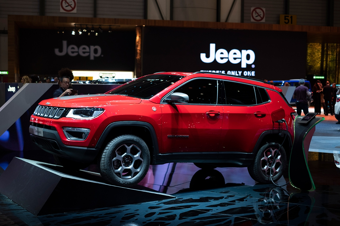 Jeep S New Comp And Renegade Hybrid Models Keep The Driving Fun While Respecting Mother Nature